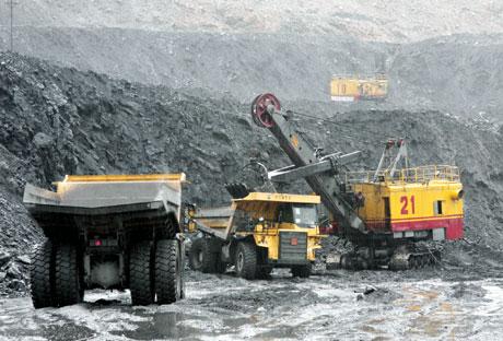 Công ty CP XNK Kim Việt cấp dầu nhờn Caltex cho mỏ than cọc 6